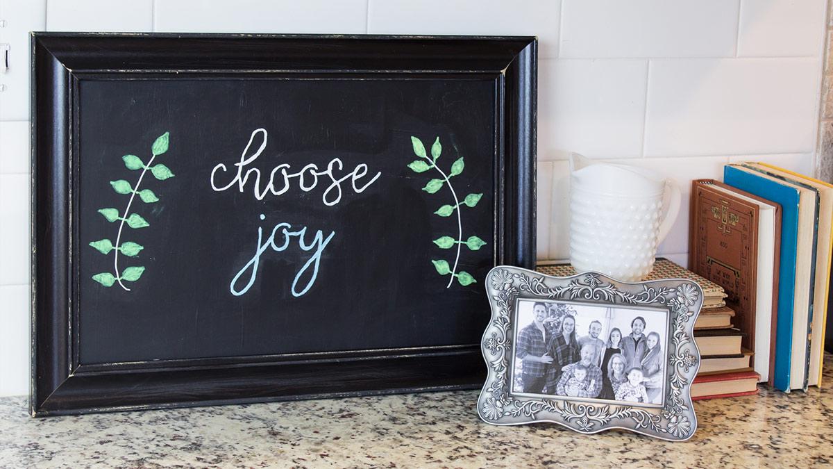 Creative Living: Upcycled Frame Chalkboard Sign