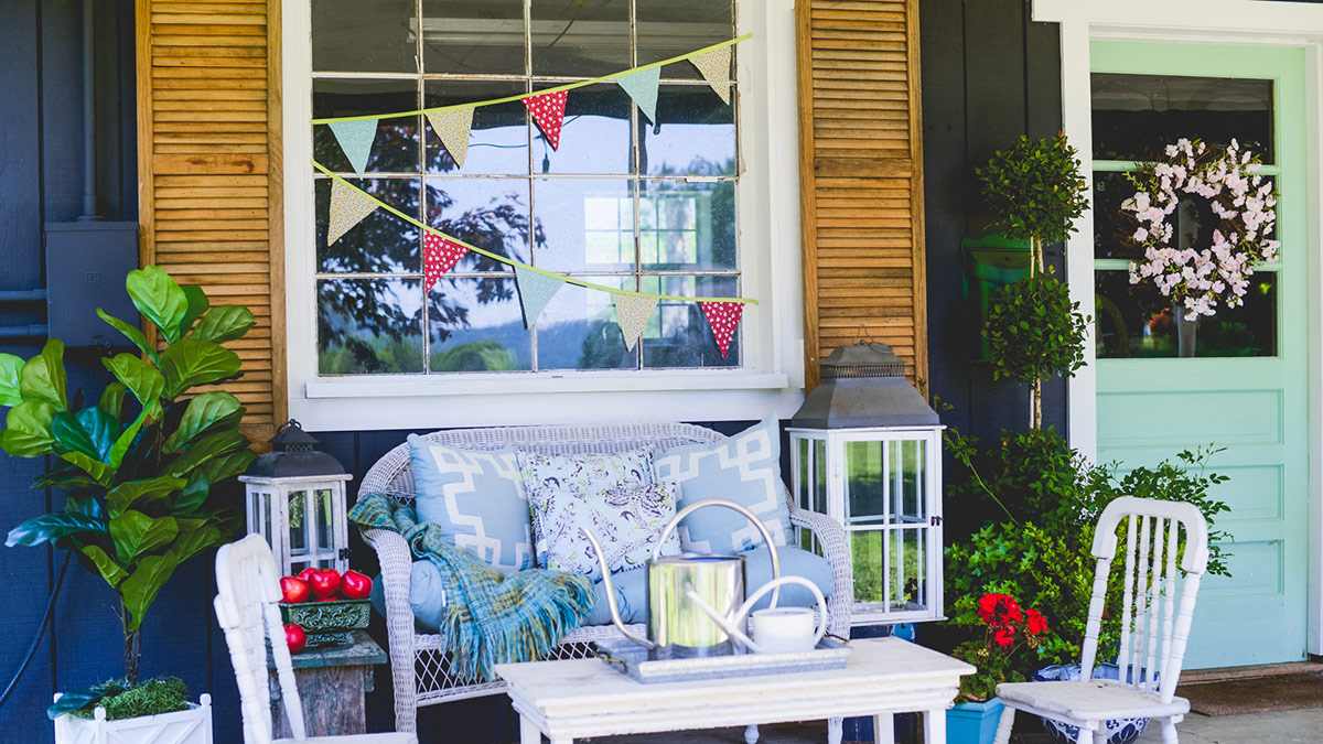 Creative Living: Easy Front-Porch Decorating