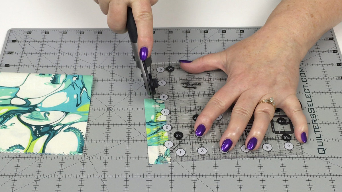 Quilt & Sew Tips: How to Use Rotary Cutters