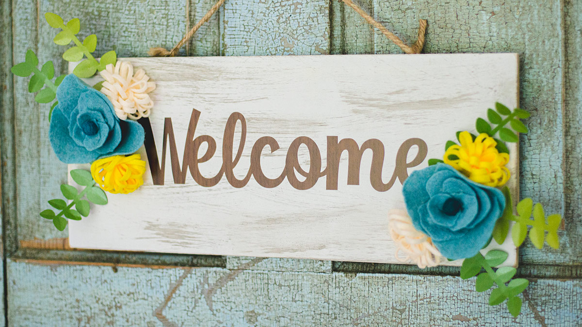 Creative Living: Felt Flowered Welcome Sign