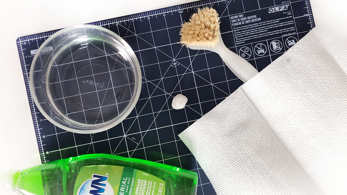 Quilt & Sew Tips: How to Clean Your Cutting Mat