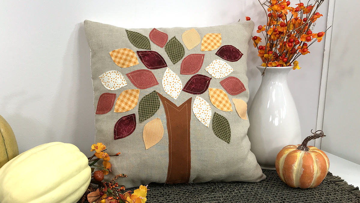 Creative Living: Scrappy Autumn Leaves Pillow