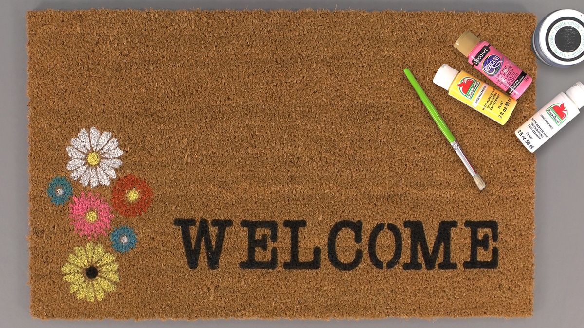 Creative Living: Painted Coir Mat With Daisies