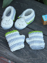Little Hands & Feet Crochet Booties & Fingerless Mitts