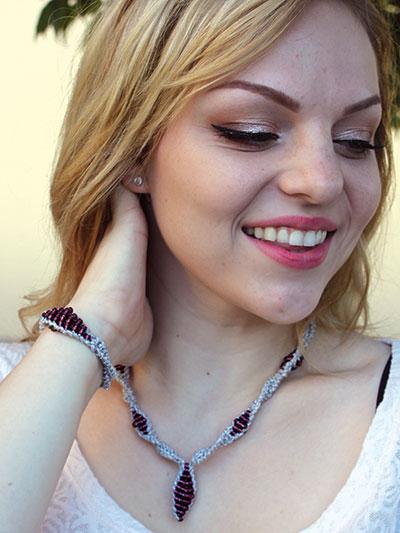 Paloma Necklace & Bracelet Free Knitting Pattern | Jewelry Knitting Patterns, many free patterns, at http://intheloopknitting.com/jewelry-knitting-patterns/
