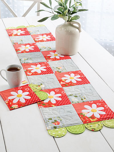 Daisy Fields Table Set