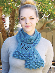 ANNIE'S SIGNATURE DESIGNS: Lady Ellen Crocodile Knit Scarf