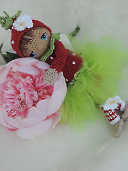 Cute Berry Fairy Crochet Pattern