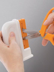 Universal Scissors Sharpener