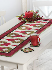 EXCLUSIVELY ANNIE'S QUILT DESIGNS: Holiday Wreath Table Runner Pattern