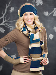 ANNIE'S SIGNATURE DESIGNS: Ulverston Color-Block Knit Scarf, Hat & Mitts