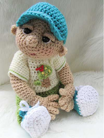Crochet clothing and outfits for a crochet baby doll pattern