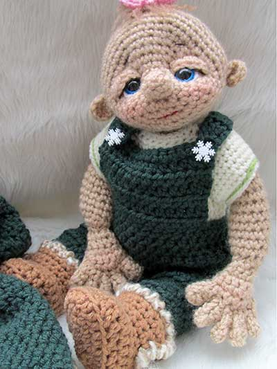 Overalls, pants and outfits to crochet for crochet baby dolls patterns