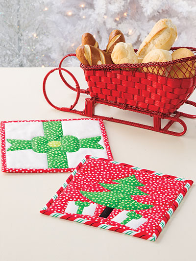 Christmas All Through the House Potholders to Make