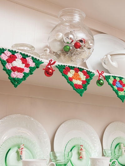 Crochet Christmas Garland Granny Square pattern