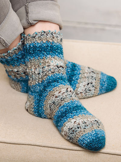 Crochet socks for winter, crochet socks patterns, crochet warm winter socks, crochet gifts for winter