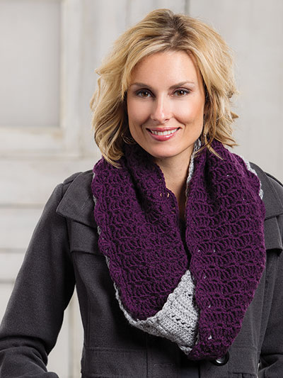 Crochet a double infinity scarf pattern, two color infinity scarf crochet pattern