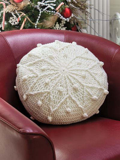 Crochet snowflake pillow pattern | round snowflake pillow pattern