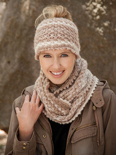 Knit a Messy bun hat and cowl pattern