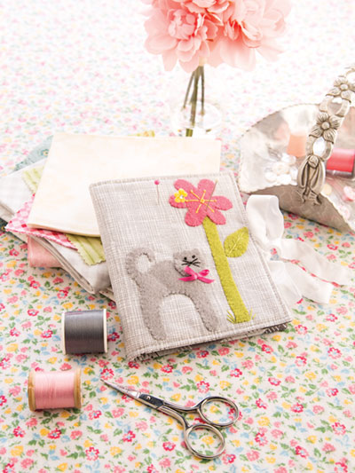 Learn how to make a sewing kit holder pattern