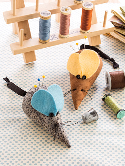 Mouse sewing pattern for a pincushion
