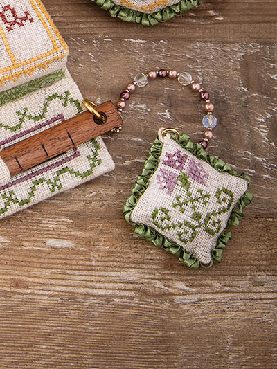 Cross stitch floral embroidery pattern