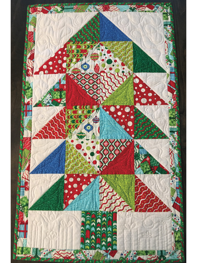 Christmas Table Runner Quilt.Charming Christmas Table Runners Pattern